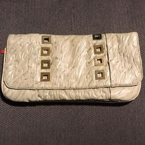 Large light green clutch